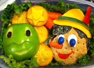 Creative-Lunches-for-favorite-son-11