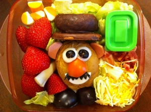Creative-Lunches-for-favorite-son-8